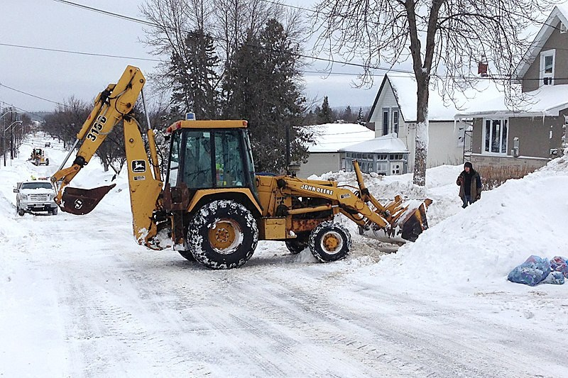 City council voted down opening a debate about changing snow removal requirements from 10 cm to 5 cm.