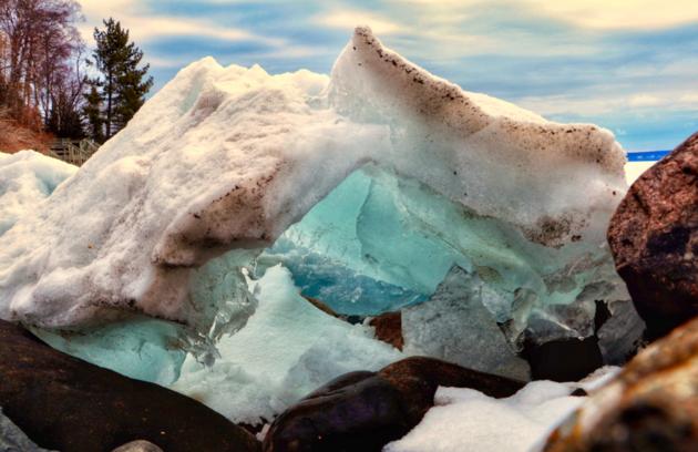 Ice moving on Lake Superior