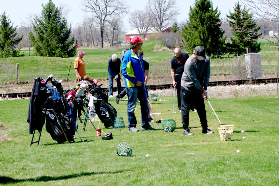 Flocks of golfers return to the driving range at Fox Run Golf Course. Bob Liddycoat / ThoroldNews