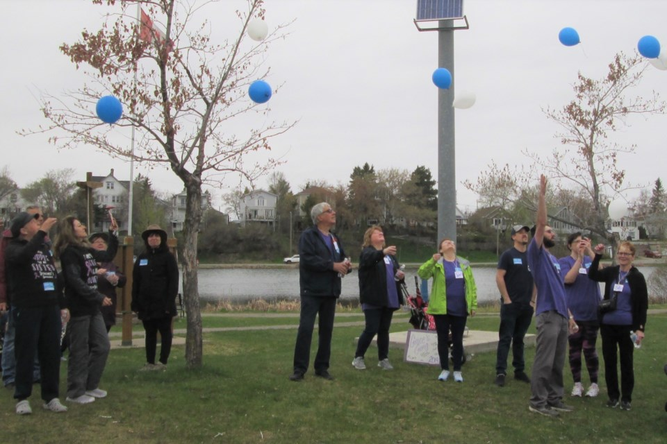 Balloons were released following the I.G. Wealth Management Walk for Alzheimer's held at Gillies Lake on Saturday. Participants released balloons to commemorate loved ones with dementia. Wayne Snider for Timmins Today
