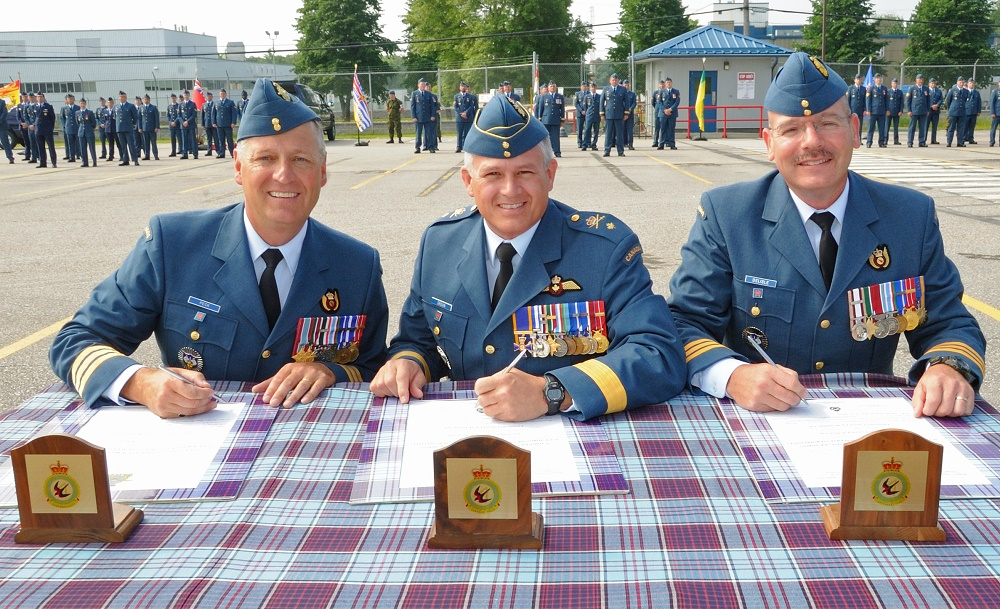 Change of Command at 22 Wing - BayToday ca