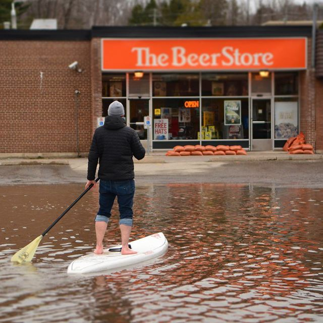 Today Viral News Home: Beer Store Photo Goes Viral